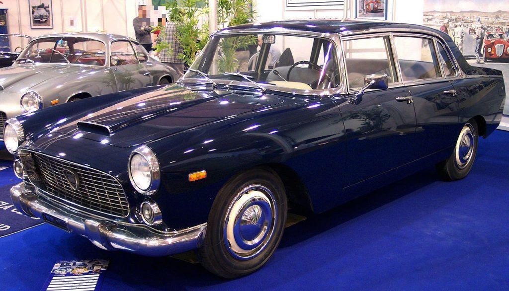Lancia Flaminia Berlina blue Blog